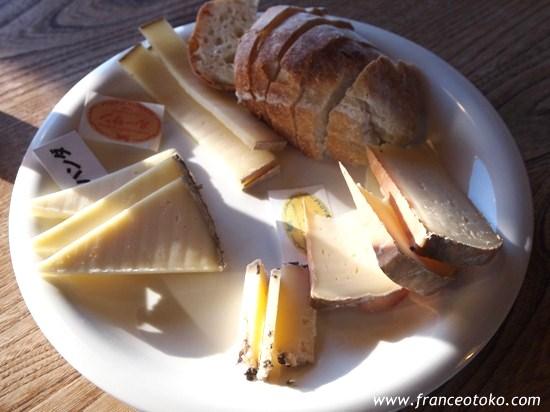 北海道!十勝の半田ファームのチーズがおいしい