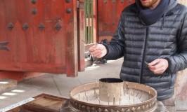 フランス男観光客、よろこびの奈良・東大寺の大仏メモリー