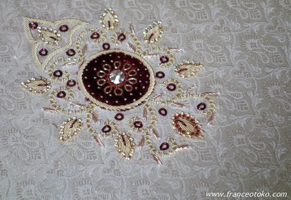 インド ショッピング 刺繍 職人
