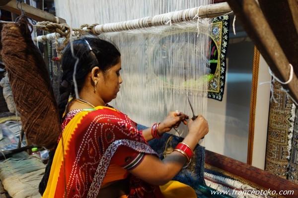 インド ショッピング カーペット 職人