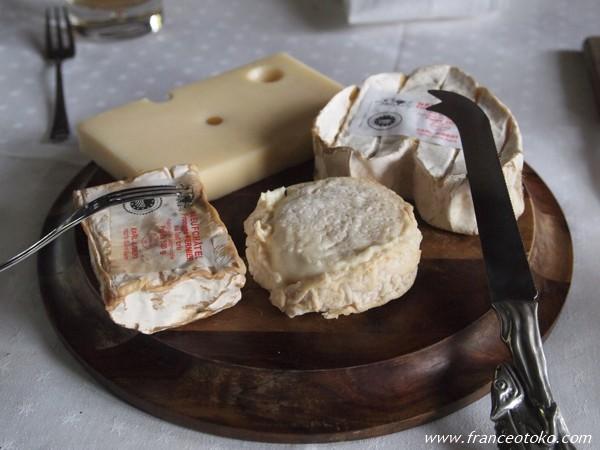 フランス・ノルマンディのチーズ アレックス家のゴハン