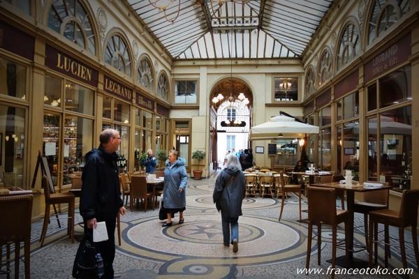 パリのパッサージュ ギャラリー・ヴィヴィエンヌ(Galerie Vivienne )