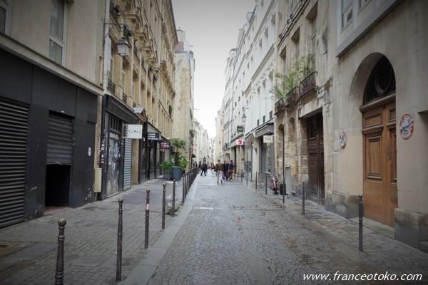パリ 街角