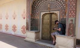 マハラジャの宮殿シティ・パレスにてインド美に耽溺@ジャイプール