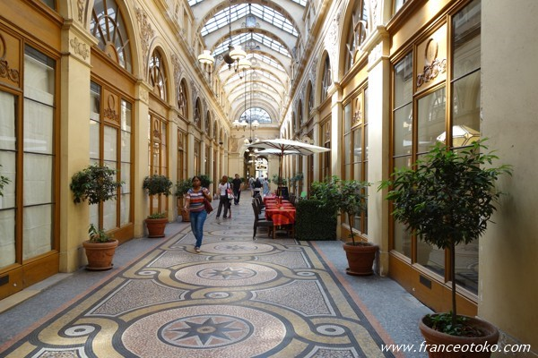 パリのパッサージュ・ギャラリー・ヴィヴィエンヌ