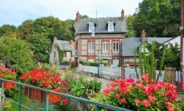 花咲くヴール・レ・ローズ Veules les roses☆ノルマンディのメルヘン村散策