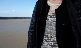 ディア・シャルロット Dear Charlotteのネックレスでおしゃれしてフランスの海デート♥