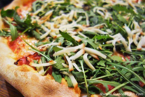 スモークチーズピザ
