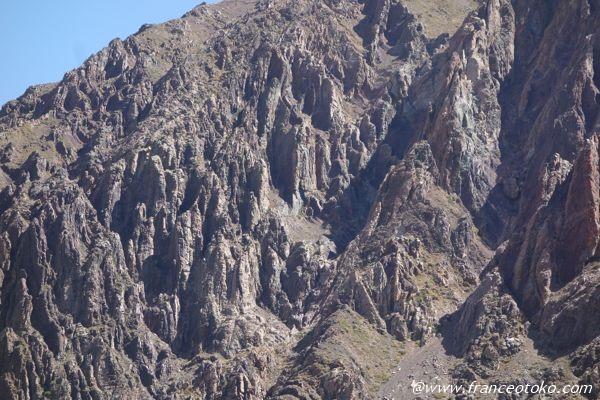 ロードオブザリングっぽい山