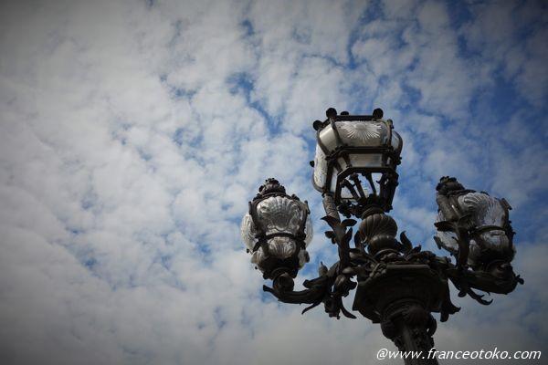 パリ 照明