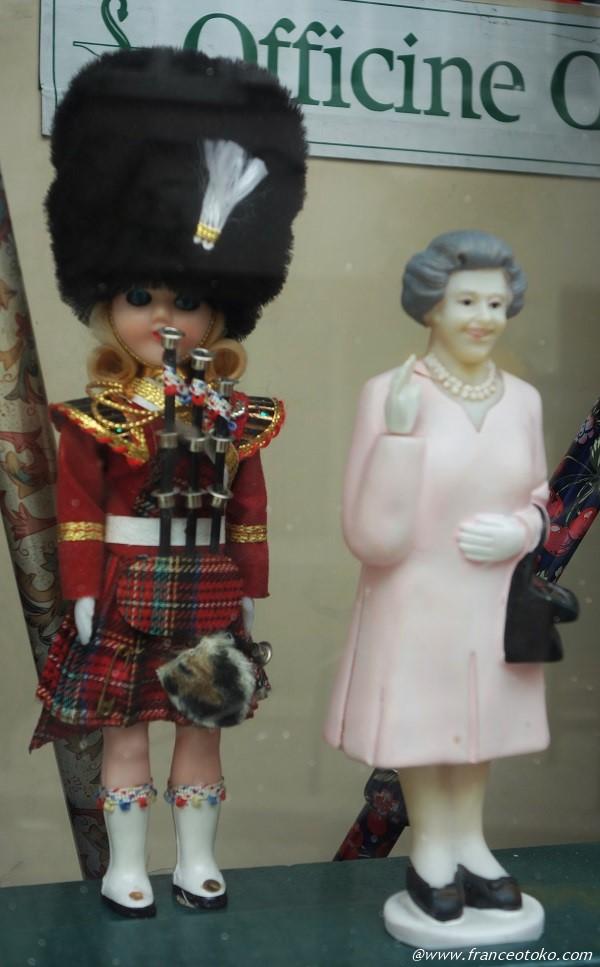 エリザベス女王 置物