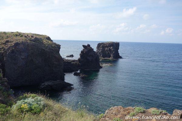 ウスティカ島 海