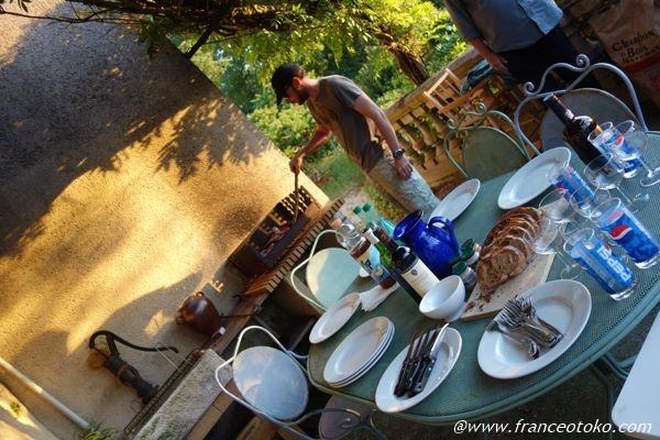フランス 夏の夜のディナー
