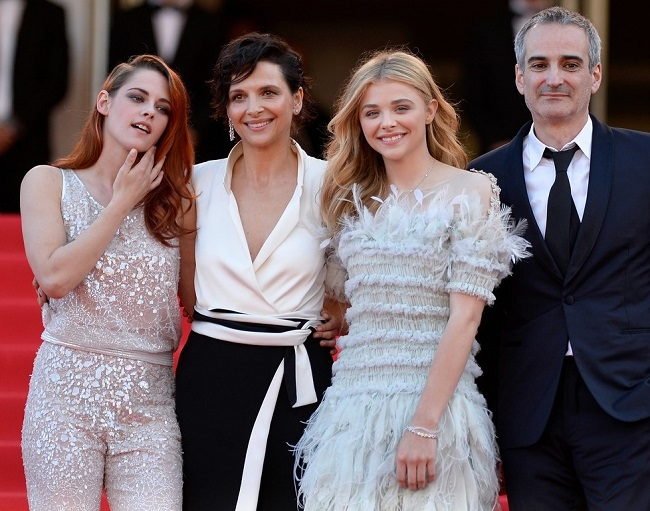 kristen-stewart-chloe-moretz-are-chanel-chic-at-cannes-sils-maria-premiere-2014-03