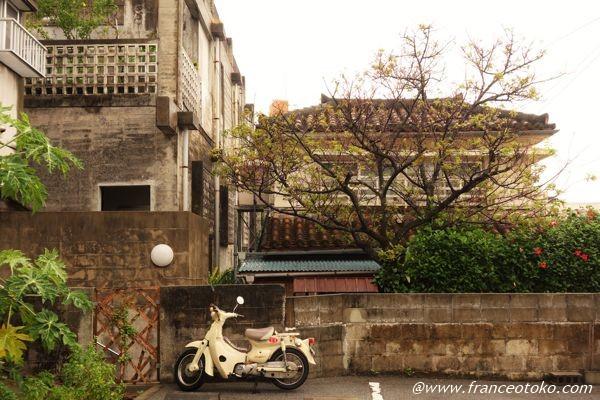 那覇 風景 バイク
