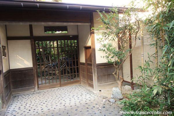 日本の渋い玄関