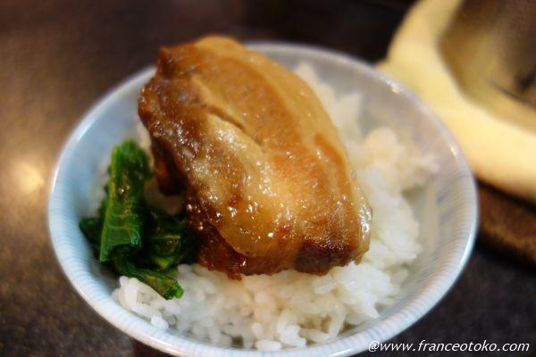 烈志笑魚油 麺香房 三く 角煮ごはん