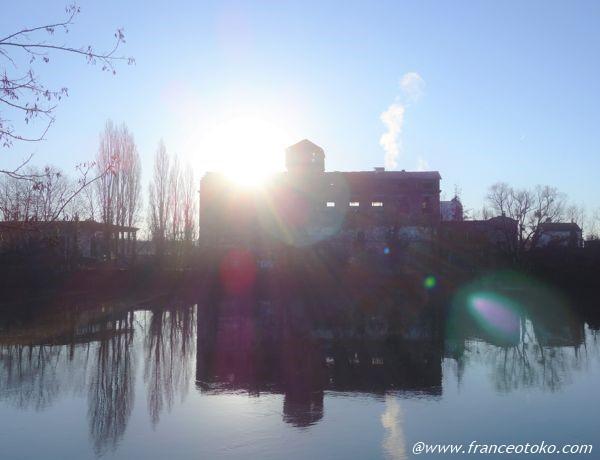 パリ郊外 レトロ工場