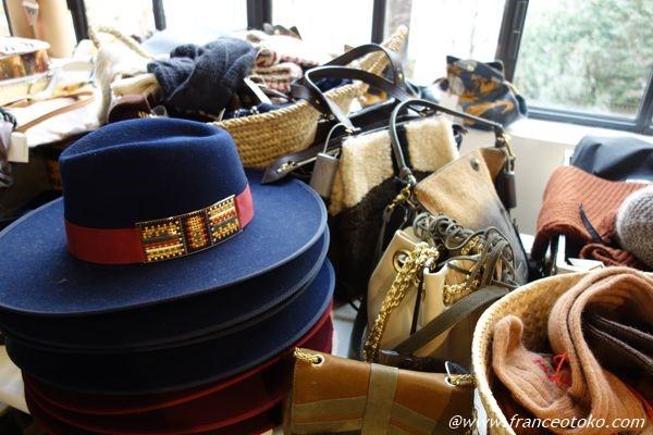 パリ merci 帽子