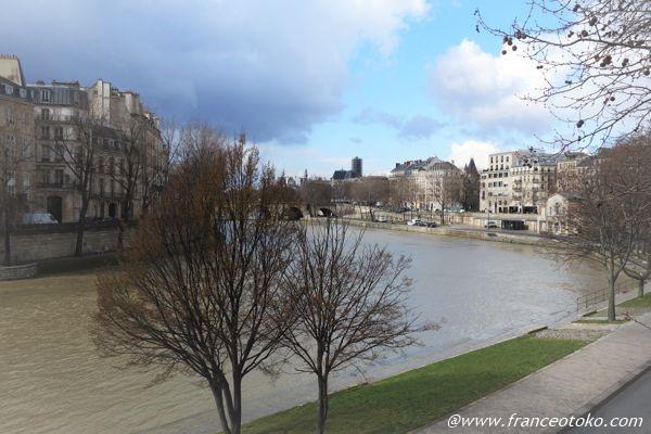 パリ セーヌ 散歩