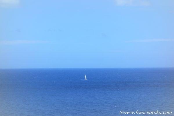 地中海 冷たい 青い