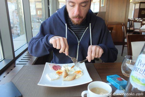 ルーマニア 朝食