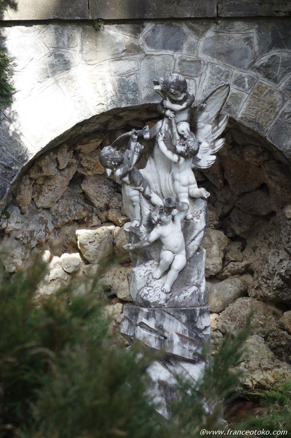 天使 彫刻 ルーマニア