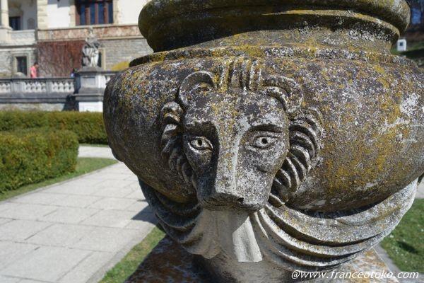 ライオン ペレシュ城