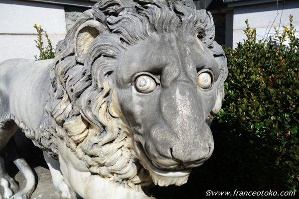 ペレシュ城 ライオン