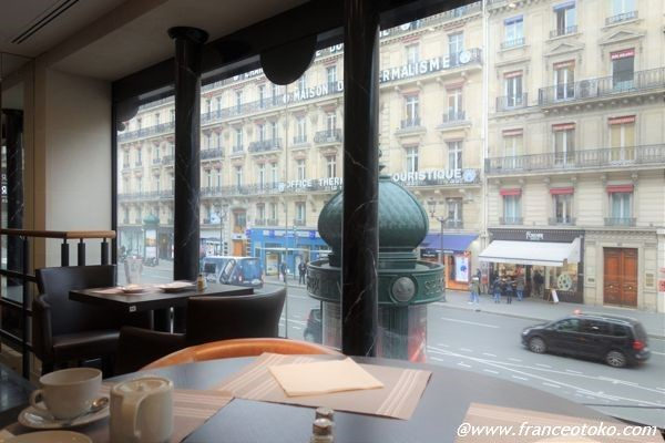 オペラ座 眺めよいカフェ