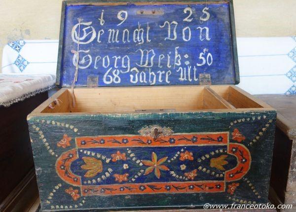 ルーマニア 民芸品 木の箱