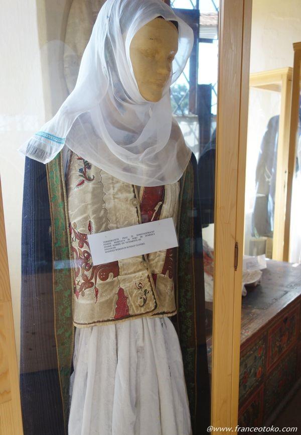 ルーマニア 民族衣装