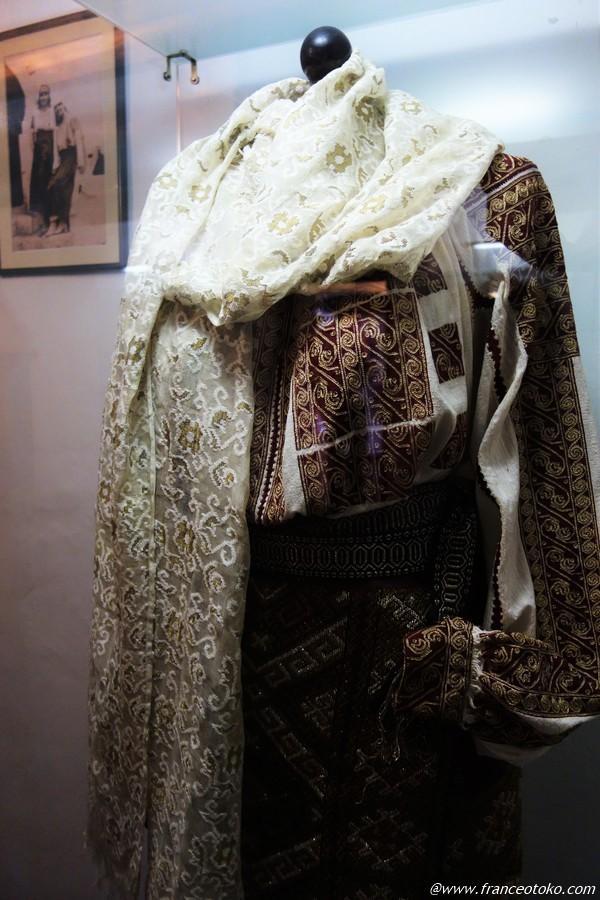 ルーマニア 王族 伝統衣装