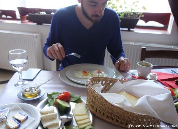 ルーマニア 朝ご飯