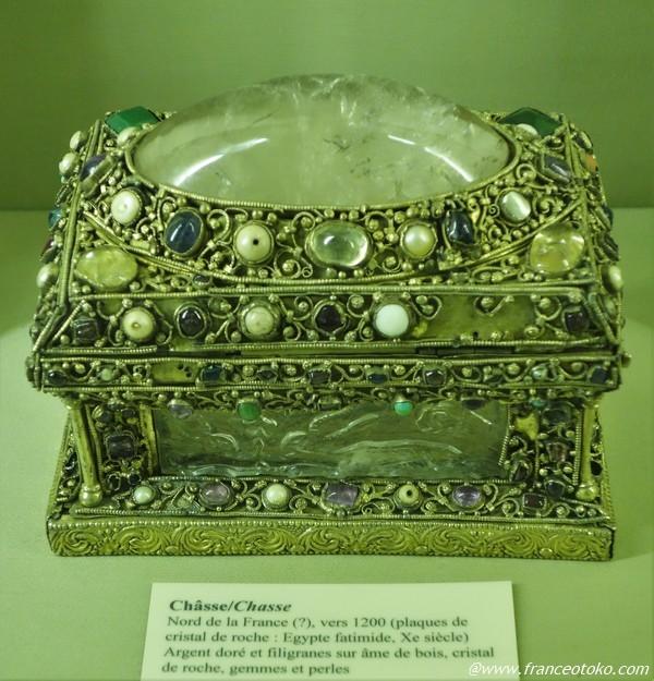 宝石づくしの宝箱