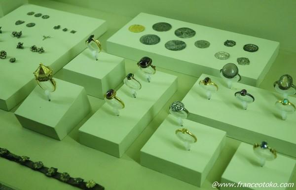中世 宝飾品 フランス