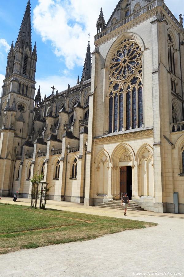 Basilique Notre-Dame de Montligeon モンリジョン