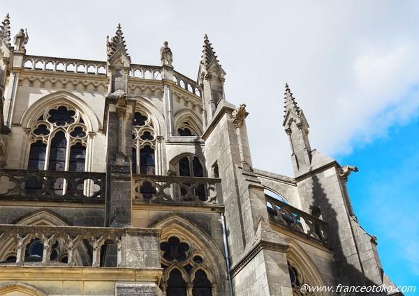 Basilique Notre-Dame de Montligeon フランス 美しい大聖堂
