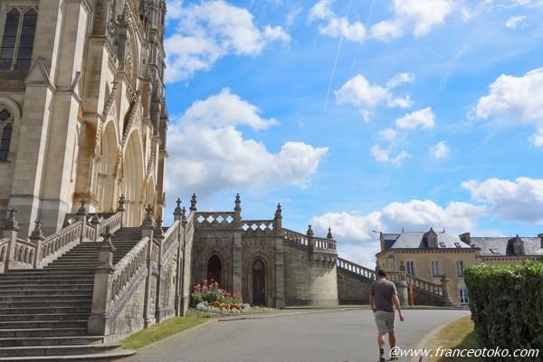 Basilique Notre-Dame de Montligeon ペルシュ地方