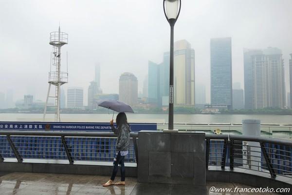 上海 外灘でロマンチック気分