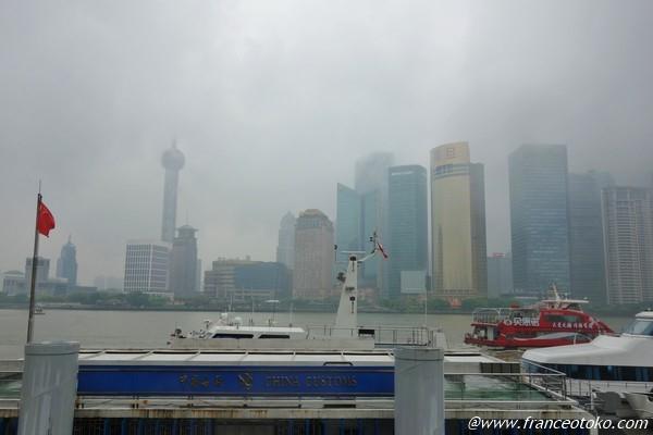 上海 外灘 雨模様