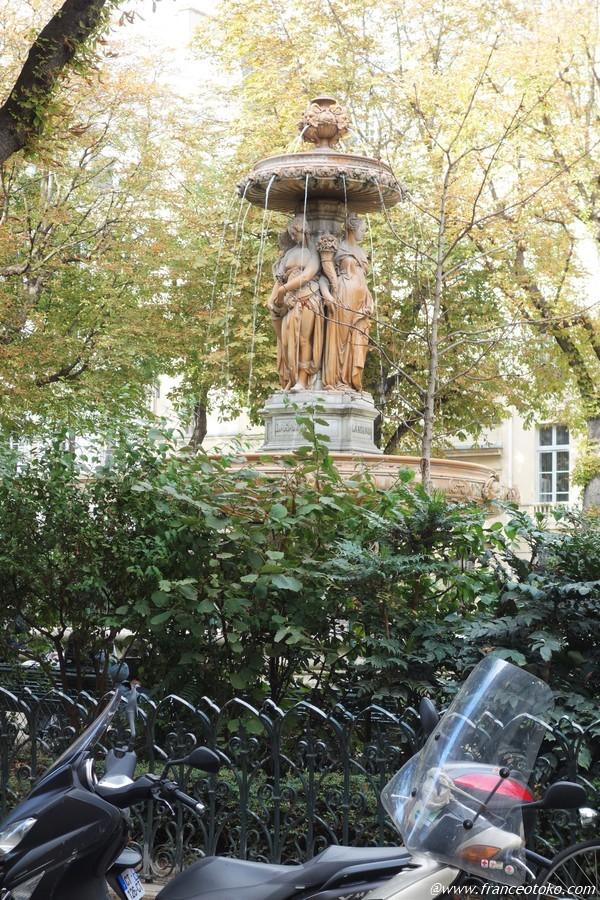パリ 乙女の噴水