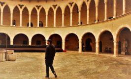 ベルベル城でマヨルカ島の歴史に思いを馳せる素敵な朝